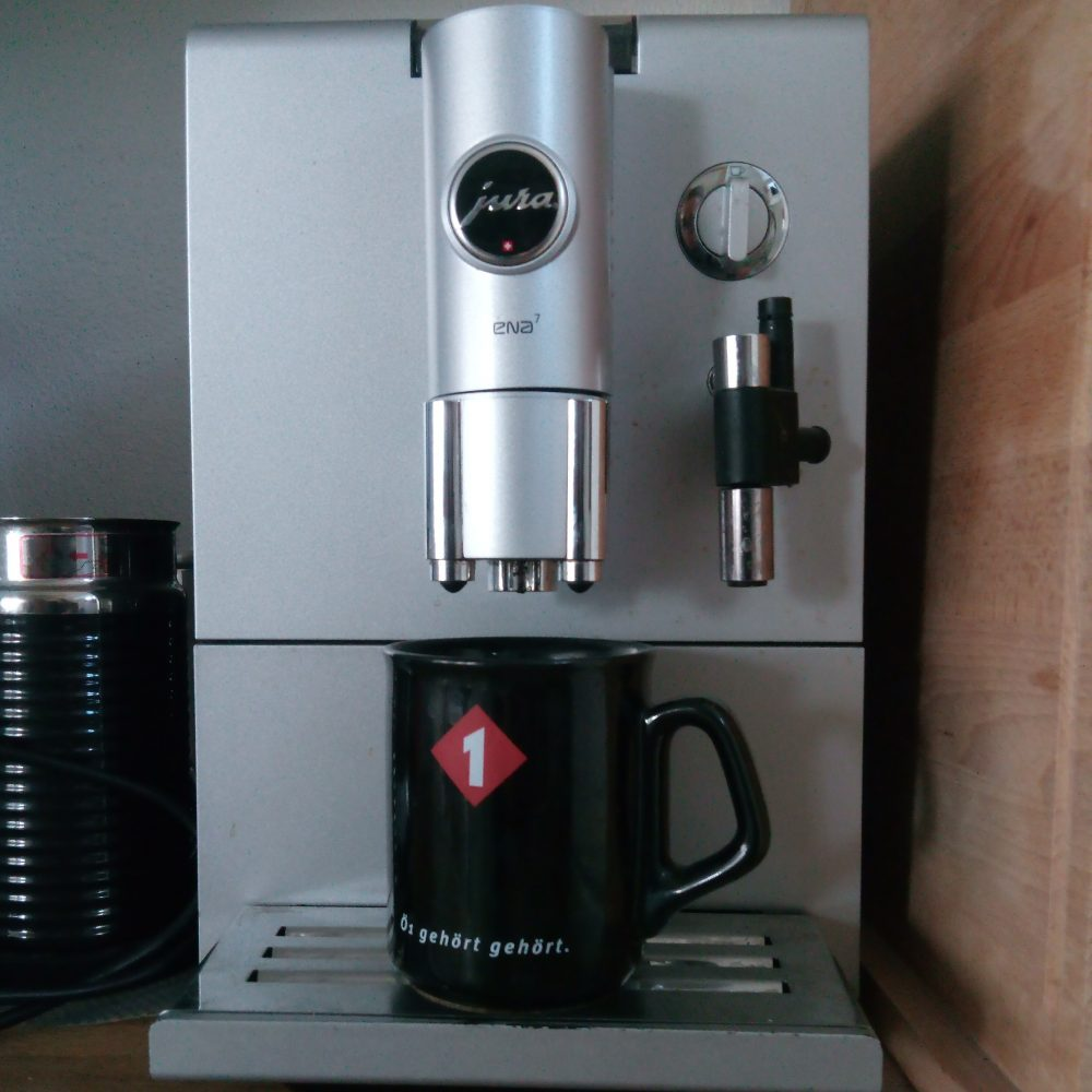 kaffeetasse kaffeemaschine radio